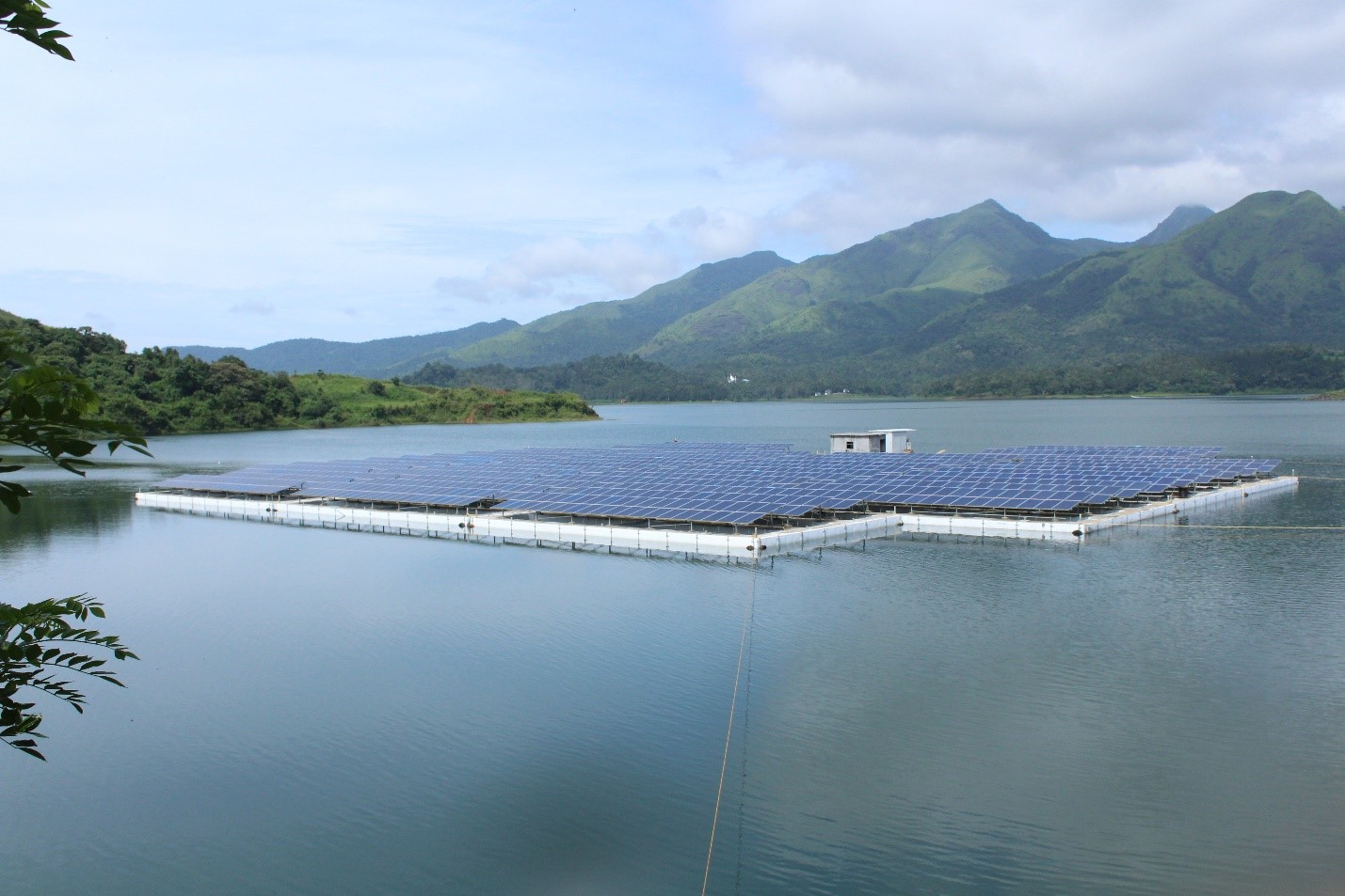 500kw Floating Solar Power Plant Regen Power