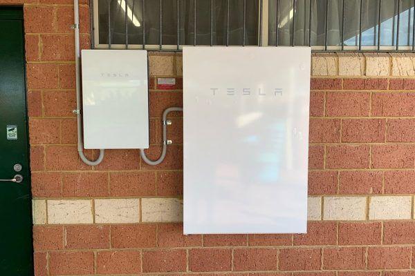 May Holman Drive, Bassendean Battery installation